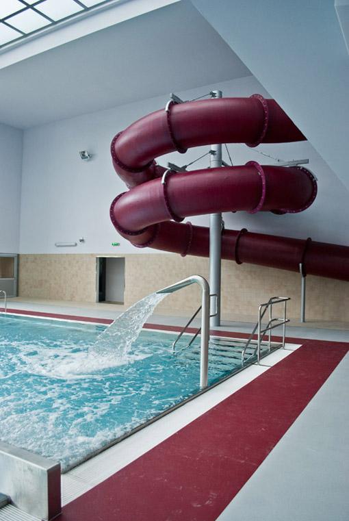 Bicz wodny na basenie miejskim